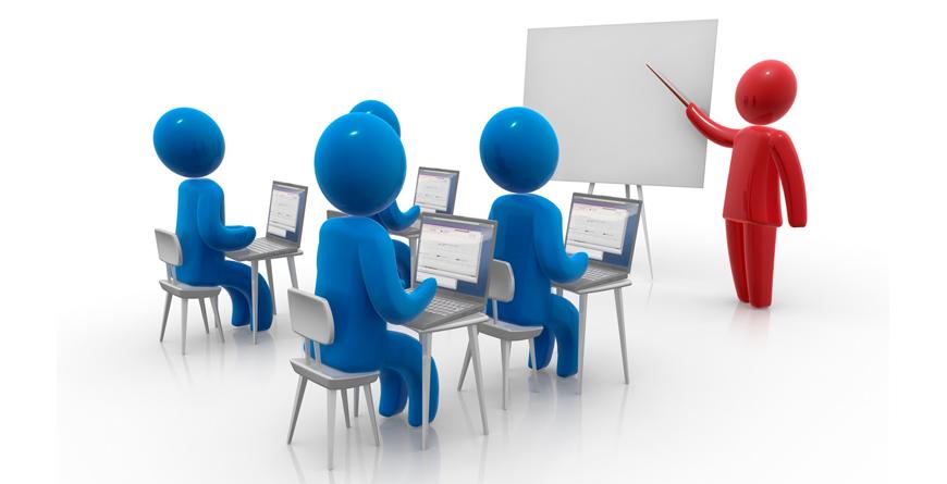 diseño de profesor y cuatro alumnos sentados enfrente con un portátil sobre la mesa cada uno